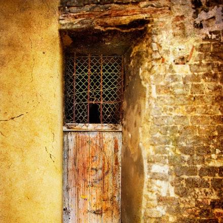 The_Cellar_Door - OLYMPUS DIGITAL CAMERA
