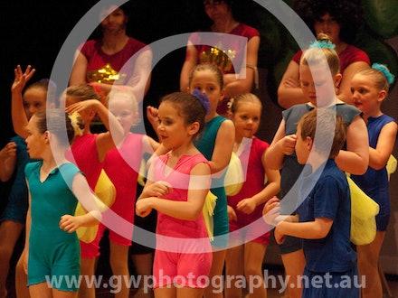 Dance Design Gallery 9 - Sunday 29th Evening