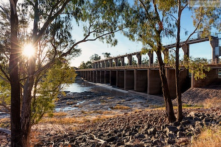 The Andrew Nixon Bridge crosses the Balonne River at St. George, QLD 01