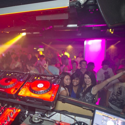 Japan 4, Ambar, 13 November 2010 - Ambar