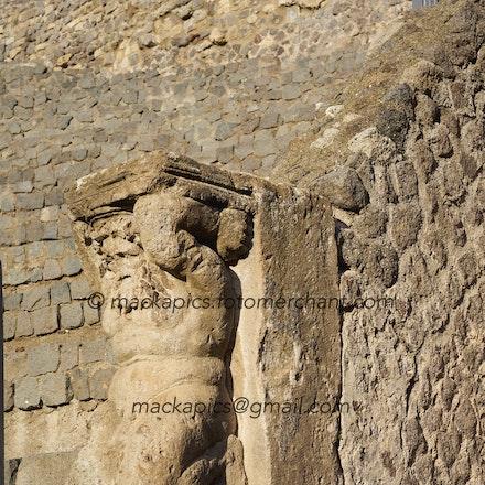 A Roman doing it tough - Pompeii trip
