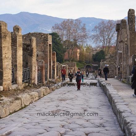Just another street in Pompeii - Pompeii trip