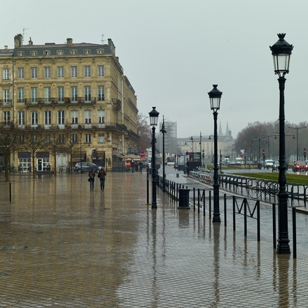 Along the Garonne - Bordeaux