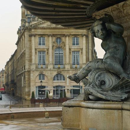 Cherubic support - Bordeaux