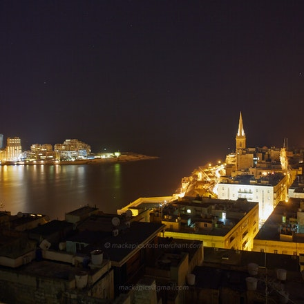 Valletta by night - 1 - Malta  (File: DMC8429)