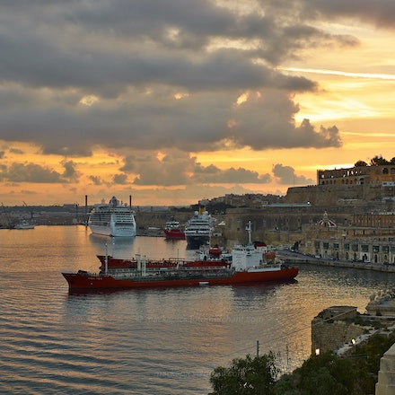 Valletta Harbour at dusk - Malta