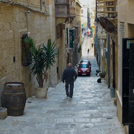 Valletta Alleyway - Malta  (File: L1011399)