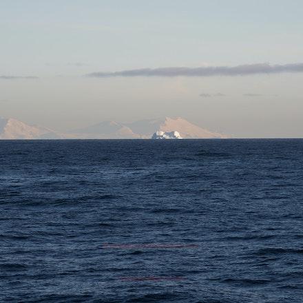 First sighting of Antarctica