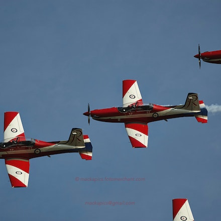 The RAAF Roulettes over Phillip Island Circuit - The Roulettes RAAF display team at the Australian Motorcycle Grand Prix.