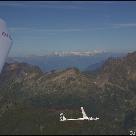 Gliding - The beautiful sport of gliding and its aircraft (sailplanes).