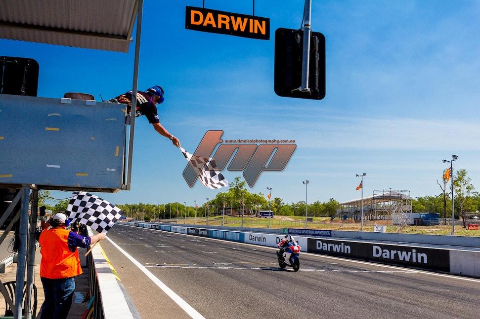 1920px  TTC 3 riders 2014-0380