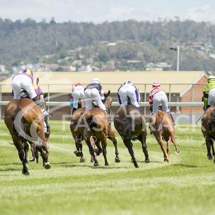 Race 1, Finish, Turn_21-02-16, Launceston, Sharon Chapman_178