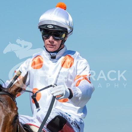 Race 6, Bounding, Mark Du Plessis_06-11-14, Flemington_Sharon Chapman_474