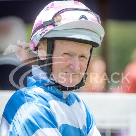 Race 1, Debbie Waymouth_26-12-14, Drouin, WIN_002