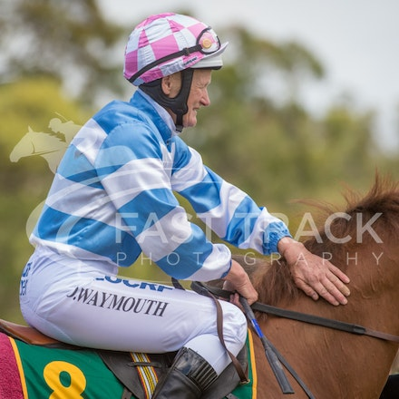 Race 1, Without Exception, Debbie Waymouth_26-12-14, Drouin, WIN_004