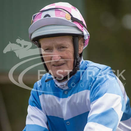 Race 1, Without Exception, Debbie Waymouth_26-12-14, Drouin, WIN_005