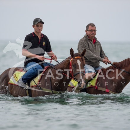 Safety Beach, Of The Brave, Logan McGill & Grande Rosso, Mark Riley_26-02-15_039