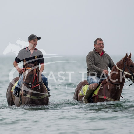 Safety Beach, Of The Brave, Logan McGill & Grande Rosso, Mark Riley_26-02-15_037