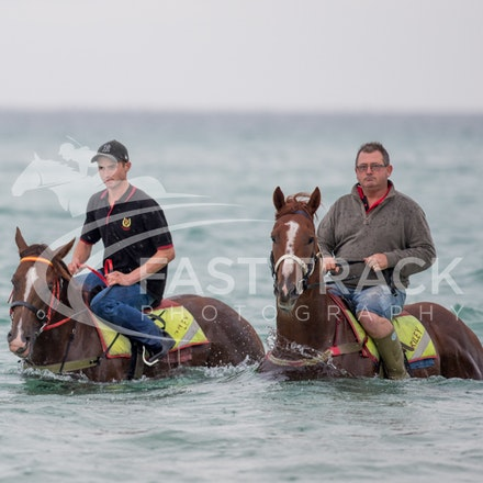 Safety Beach, Of The Brave, Logan McGill & Grande Rosso, Mark Riley_26-02-15_043