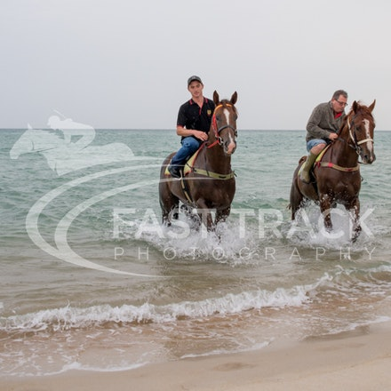 Safety Beach, Of The Brave, Logan McGill & Grande Rosso, Mark Riley_26-02-15_045