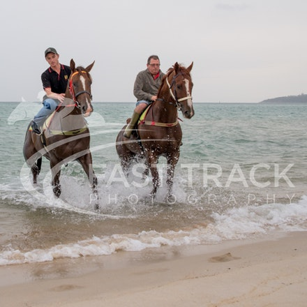 Safety Beach, Of The Brave, Logan McGill & Grande Rosso, Mark Riley_26-02-15_048