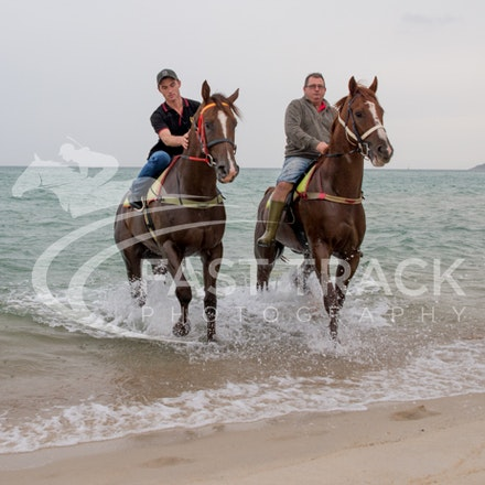 Safety Beach, Of The Brave, Logan McGill & Grande Rosso, Mark Riley_26-02-15_051