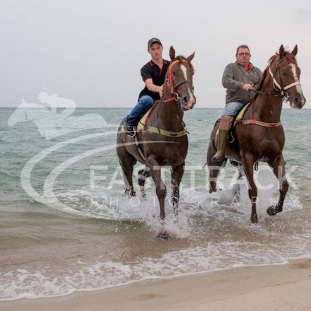 Safety Beach, Of The Brave, Logan McGill & Grande Rosso, Mark Riley_26-02-15_052