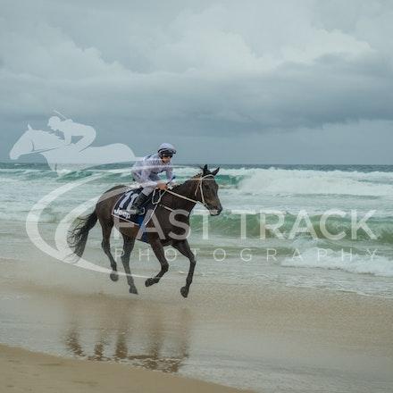 Beach, Chris Symons, Ocean_05-01-16, Surfers_0091