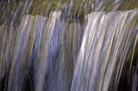 Leura Falls 2866 - Taken at Leura Cascades, a close up of the water right on the edge taken a f6.3 for 1/16 second
