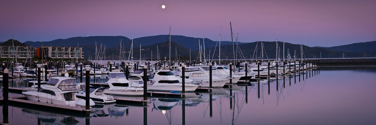 Moonset over Abel Pt. Marina (3:1)