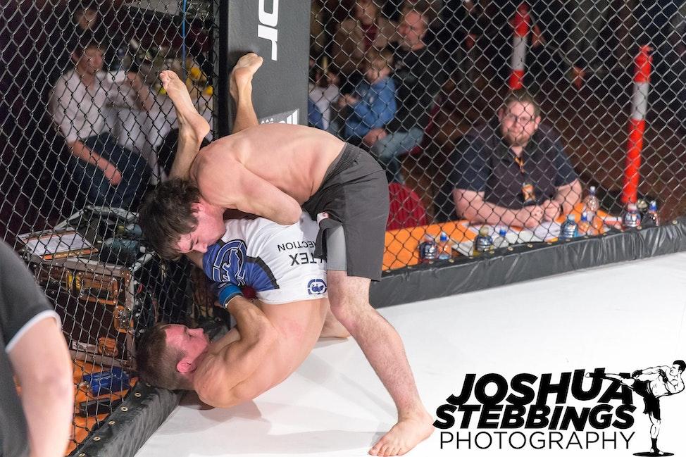 fight 7-8486