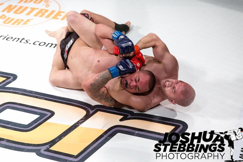 fight 7-9489