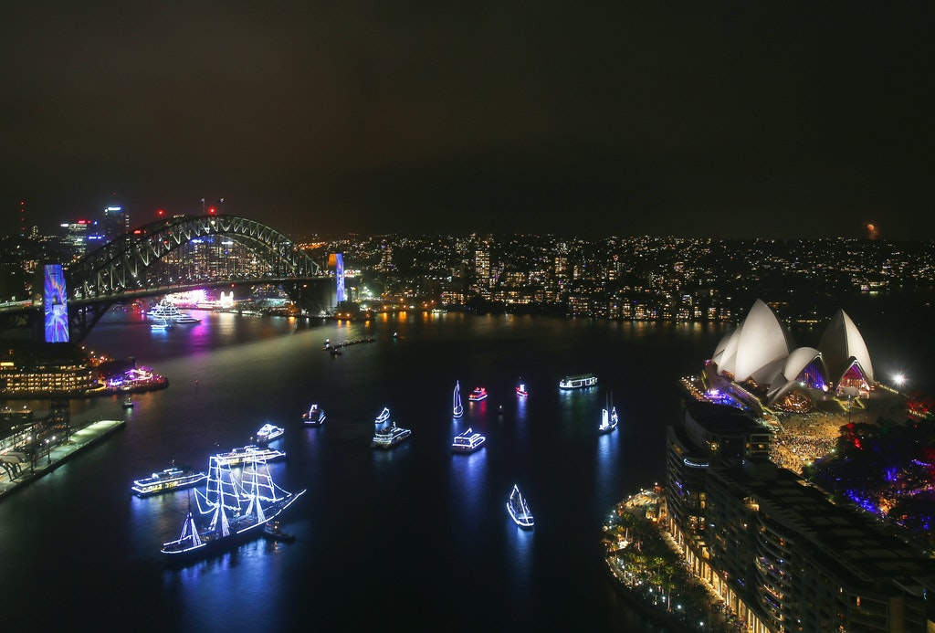 775094912DA108_City_Of_Sydn - SYDNEY, AUSTRALIA - DECEMBER 31:  General view on New Year's Eve on Sydney Harbour on December 31, 2017 in Sydney, Australia....