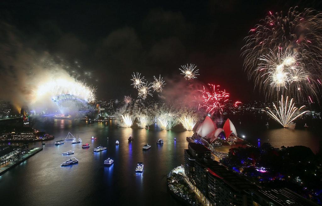 775094912DA049_City_Of_Sydn - SYDNEY, AUSTRALIA - JANUARY 01:  Fireworks are seen on New Year's Eve on Sydney Harbour on January 1, 2018 in Sydney, Australia....