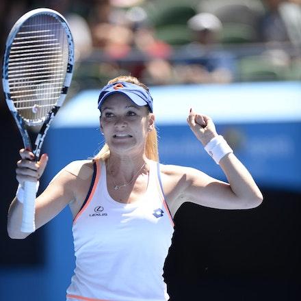 Blakeman_2014_104671 - Agnieszka RADWANSKA (POL) defeats Victoria AZARENKA (BLR) 6-1, 5-7, 6-0 on day 10 at Rod Laver Arena