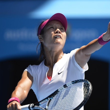 Blakeman_2014_105901 - Na LI (CHI) defeats Eugenie BOUCHARD (CAN) 6-2, 6-4 on day 11 at Rod Laver Arena