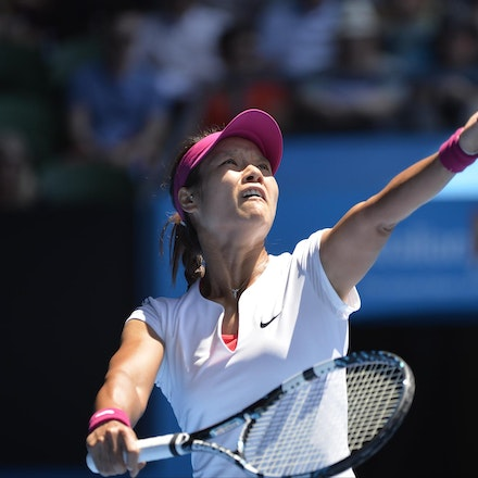 Blakeman_2014_105902 - Na LI (CHI) defeats Eugenie BOUCHARD (CAN) 6-2, 6-4 on day 11 at Rod Laver Arena