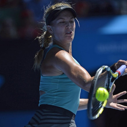 Blakeman_2014_105996 - Na LI (CHI) defeats Eugenie BOUCHARD (CAN) 6-2, 6-4 on day 11 at Rod Laver Arena