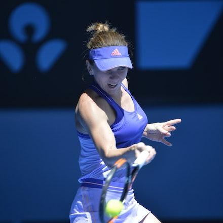 _PB14311 - 2015 19th January. Day 1 of the Australian Open Tennis. Simona Halep (ROU) defeats Karin Knapp (ITA) 6-3, 6-2 Halep in action