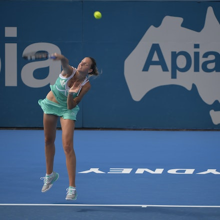 _DSC9938 - 2015 14th January APIA International Sydney Tennis, day 4. Karolina Pliskova (CZE) defeats Carla Suarez Navarro (ESP). 4-6, 6-4, 6-0. Piskova...