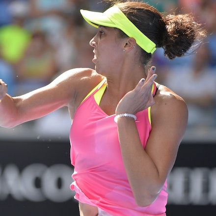 _PB10119 - 2015 22nd January. Day 4 of the Australian Open Tennis. Maddison Keys (USA) defeats Casey Delaqua (AUS) 2-6 6-1 6-1 Keys in action