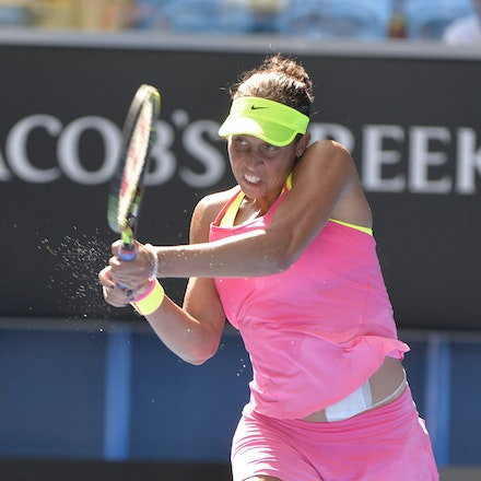 _PB10126 - 2015 22nd January. Day 4 of the Australian Open Tennis. Maddison Keys (USA) defeats Casey Delaqua (AUS) 2-6 6-1 6-1 Keys in action
