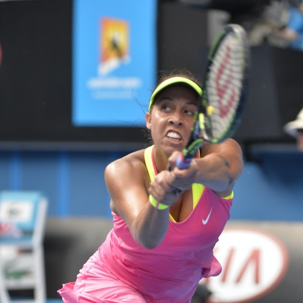 _PB10200 - 2015 22nd January. Day 4 of the Australian Open Tennis. Maddison Keys (USA) defeats Casey Delaqua (AUS) 2-6 6-1 6-1 Keys in action