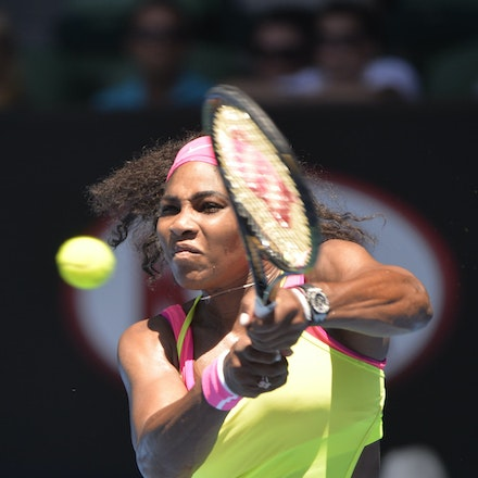 _PB13174 - 2015 24th January. Day 6 of the Australian Open Tennis. Serena Williams (USA) defeats Elina Svitolina (UKR) 4-6 6-2 6-0. Williams in action