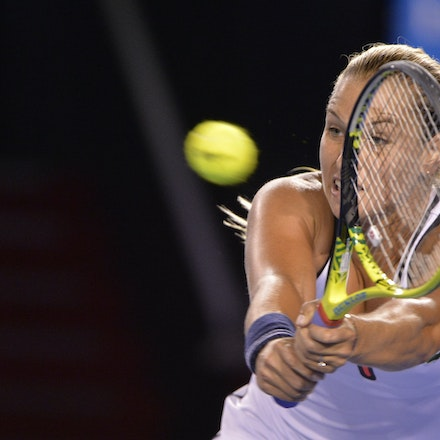 _PB16597 - 2015 26th January. Day 8 of the Australian Open Tennis. Dominika Cibulkova (SVK) defeats Victoria Azarenka (BLR) 6-2 3-6 6-3 Cibulkova in action