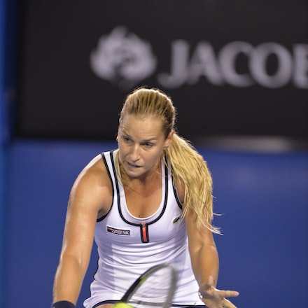 _PB16629 - 2015 26th January. Day 8 of the Australian Open Tennis. Dominika Cibulkova (SVK) defeats Victoria Azarenka (BLR) 6-2 3-6 6-3 Cibulkova in action