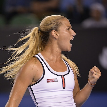 _PB16634 - 2015 26th January. Day 8 of the Australian Open Tennis. Dominika Cibulkova (SVK) defeats Victoria Azarenka (BLR) 6-2 3-6 6-3 Cibulkova in action