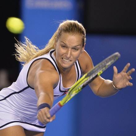 _PB16688 - 2015 26th January. Day 8 of the Australian Open Tennis. Dominika Cibulkova (SVK) defeats Victoria Azarenka (BLR) 6-2 3-6 6-3 Cibulkova in action