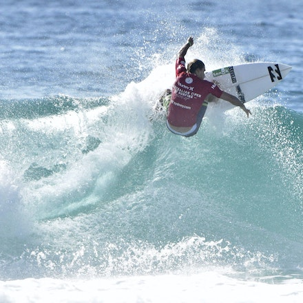 _XF22528 - 2015 12th February. Day 6 of the Australian Open of Surfing held at Manly Beach. Adrian Buchan (AUS) in action.