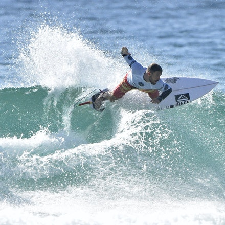 _XF22520 - 2015 12th February. Day 6 of the Australian Open of Surfing held at Manly Beach. Stu Kennedy (AUS) in action.